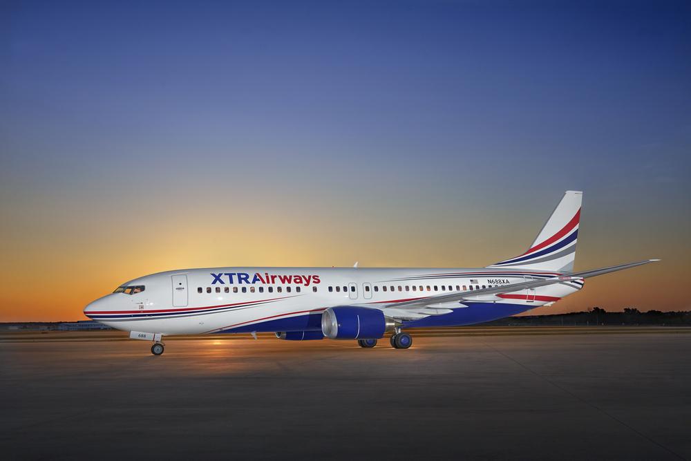 XTRA_Airways_737-400_Jet_N688XA_7'15_x_side_exterior-60mb.jpg