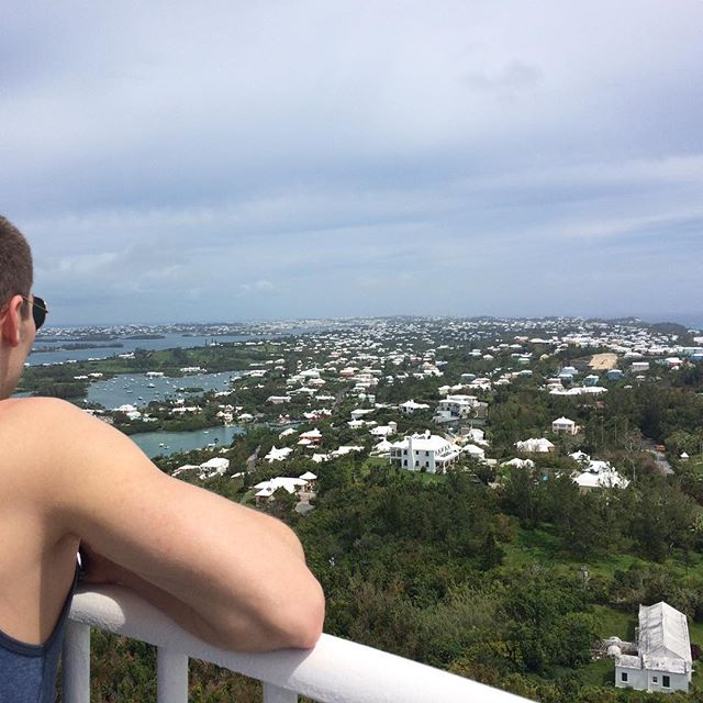 Salty takes a gander at the enitre island from the Bermuda lighthouse #nofilter #notafraidofheights #springbreak #bermuda