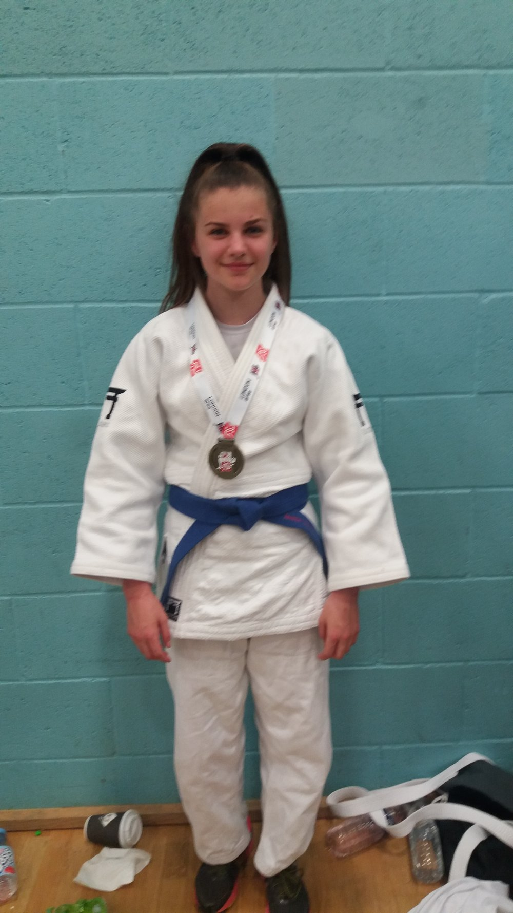 Congratulations to Jasmin Edwards, who fought at the University of East London on Saturday 19th May for the London Open in the U52 (Judo).    Jasmin won a Gold Medal!