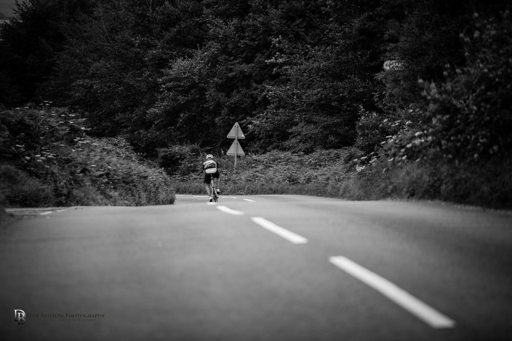 CyclechinosportivedanbristowphotographyBW.jpg