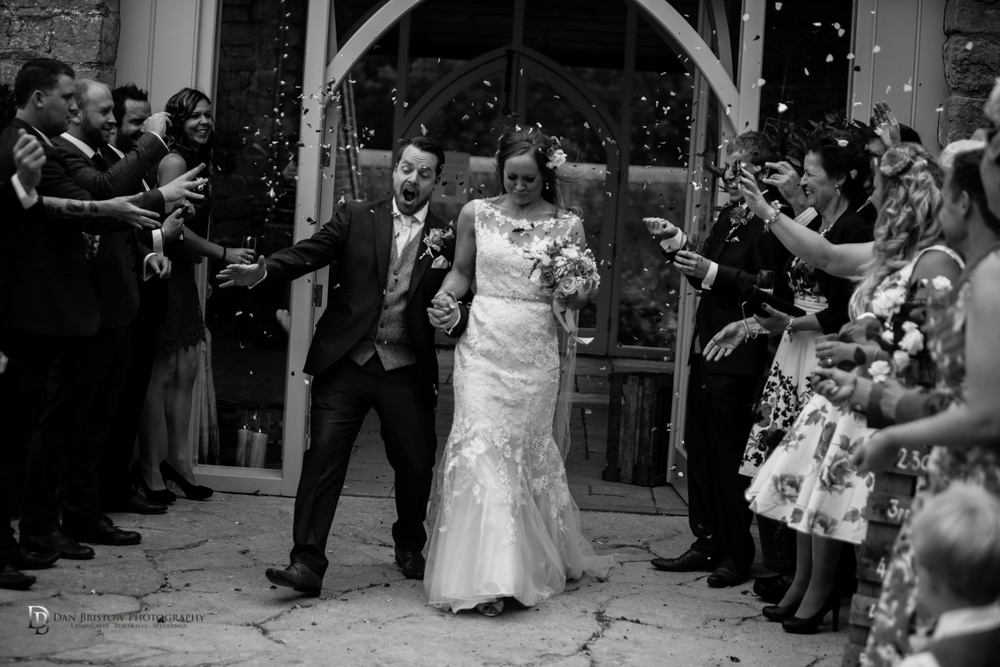 Mr&MrsSmithTithebarnsymondsburyweddingLRBW-87.jpg