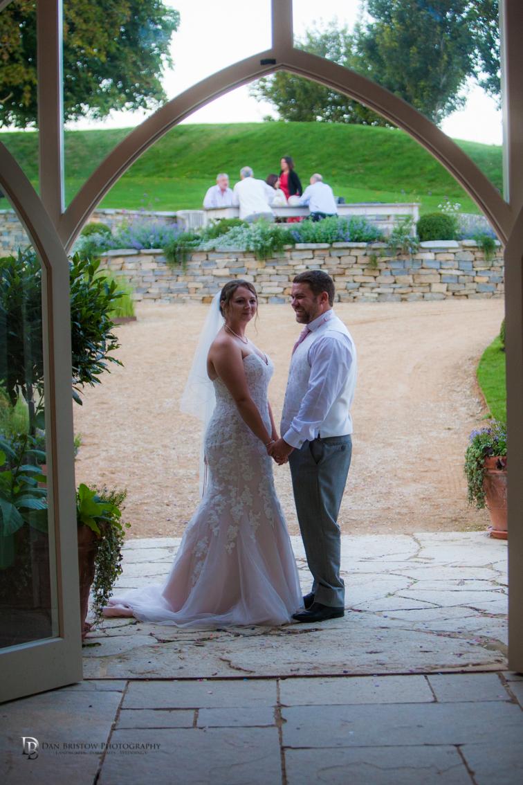 Tanya&ChrisTithebarn16LRCO-753.jpg