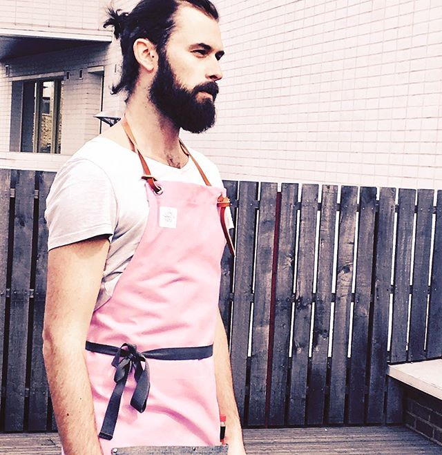 • P I N K • To makes the girls (and boys) wink 😉. Limited edition Urbanology x Tabasco collaboration apron available now (see website link in bio ☝🏻). Available in pink or reverse denim. Genuine leather strap. All handmade.  10% of profits go to charity 🙌🏻 #millenialpink #artisan #handmadeinuk #supportlocal