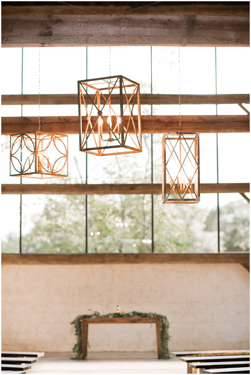Chandelier Grove Wedding_0019.jpg