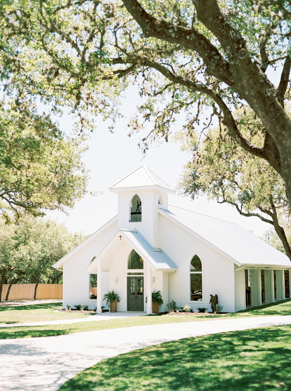 chandelier-of-gruene-wedding52.jpg