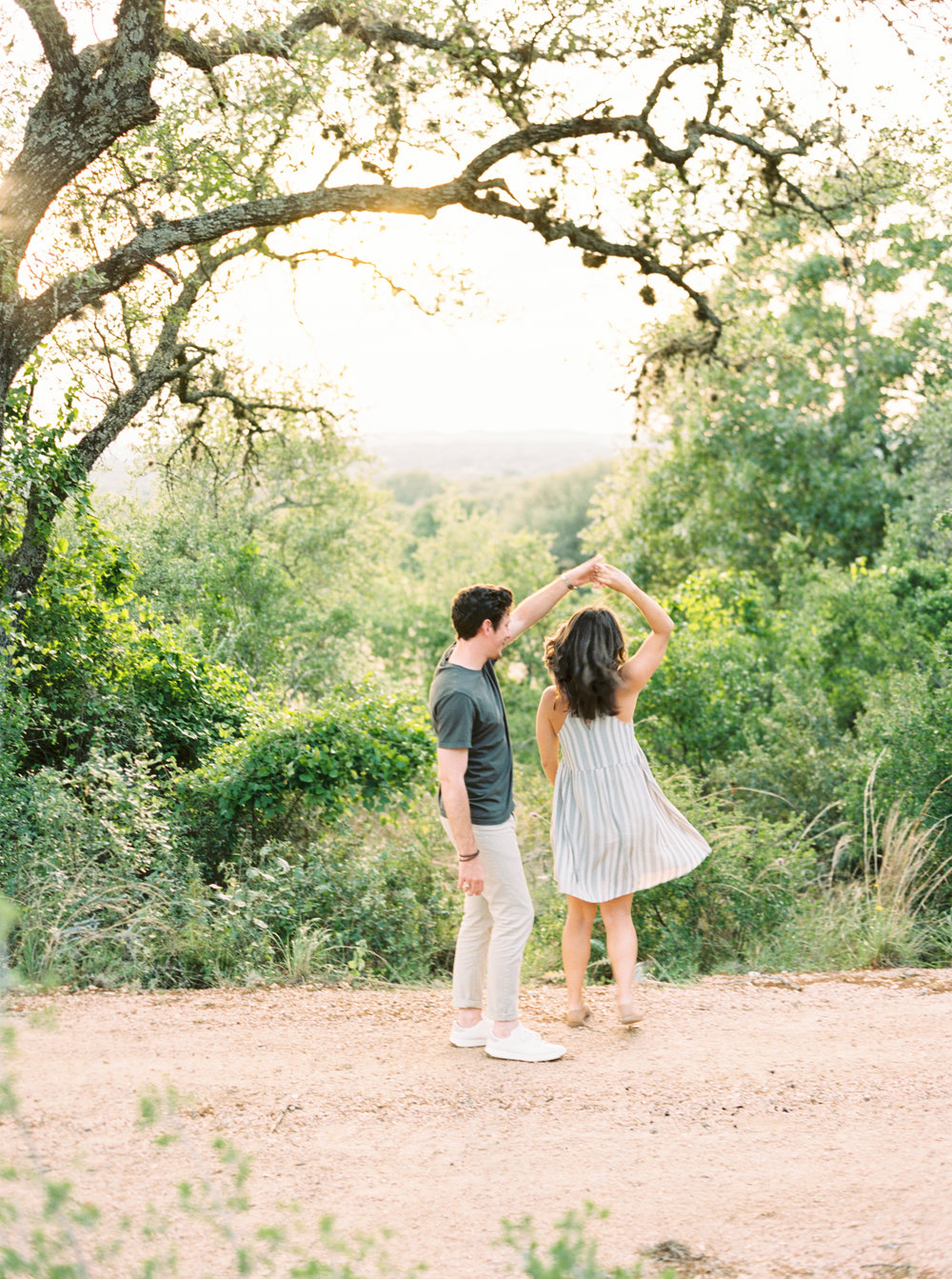 Engagement Session Outfits-17.jpg