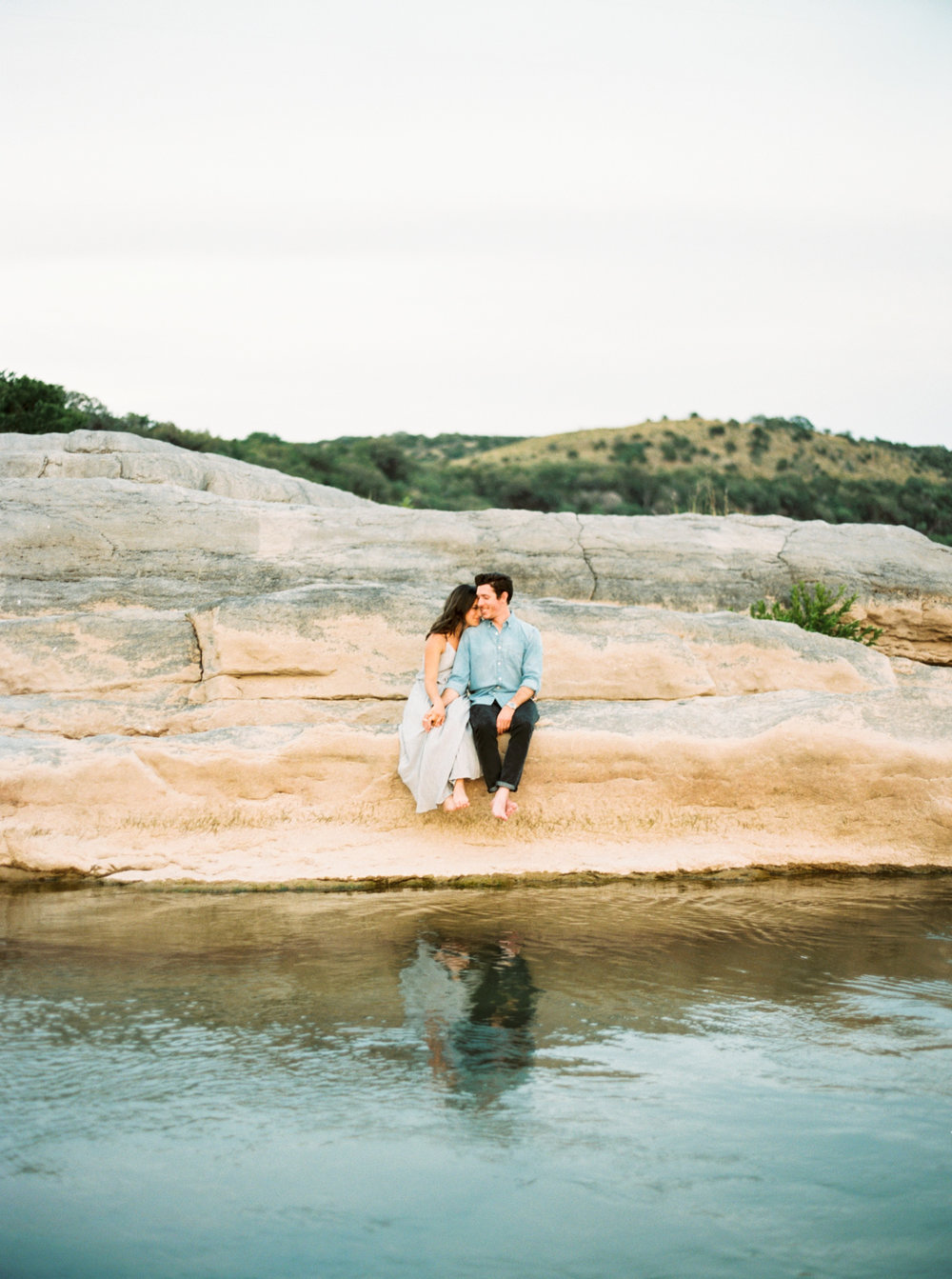 Engagement Session Outfits-25.jpg
