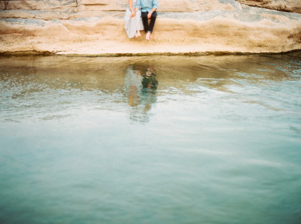 Engagement Session Outfits-26.jpg