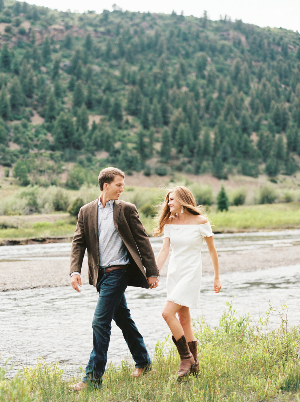 Engagement Session Outfits-36.jpg