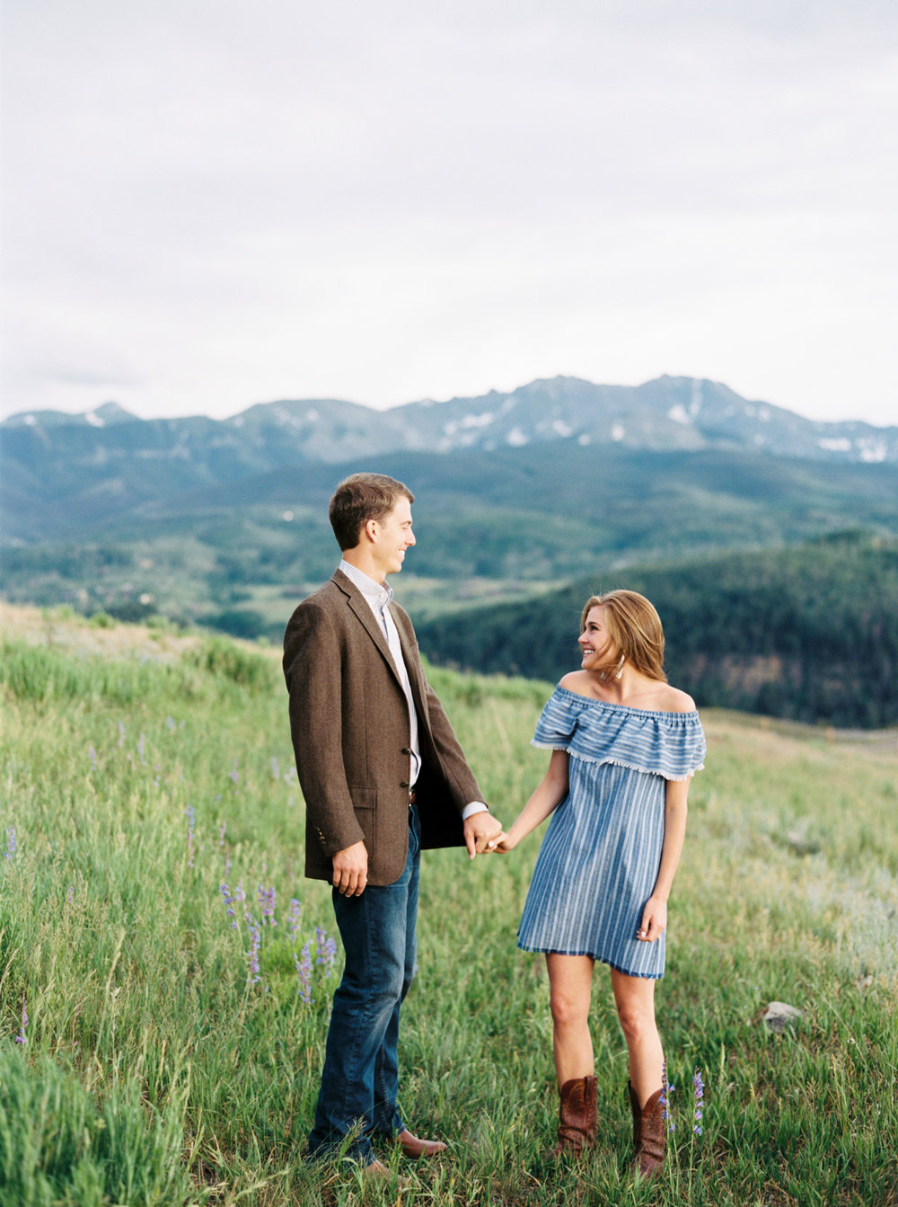 Engagement Session Outfits-38.jpg