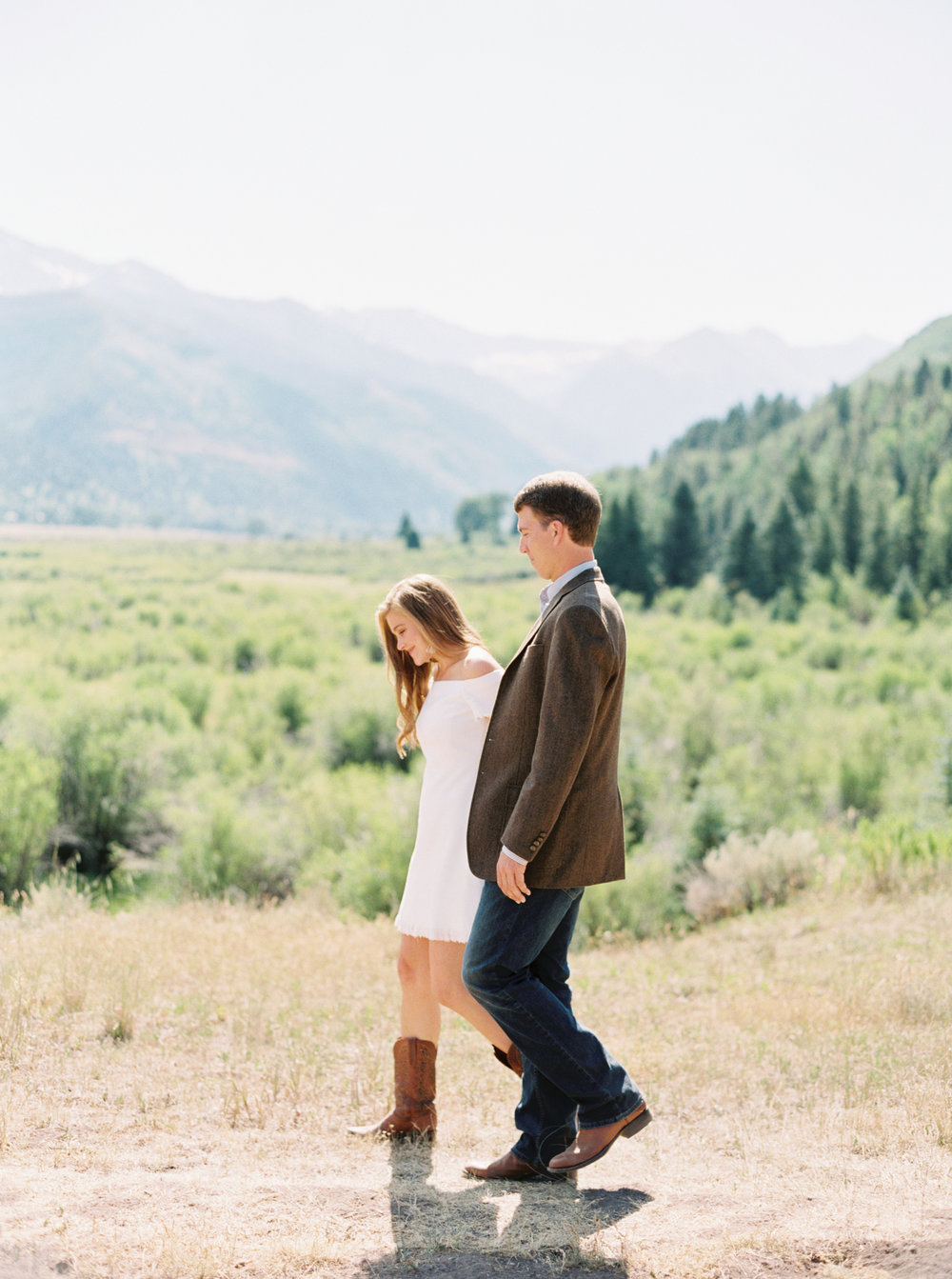 Engagement Session Outfits-58.jpg
