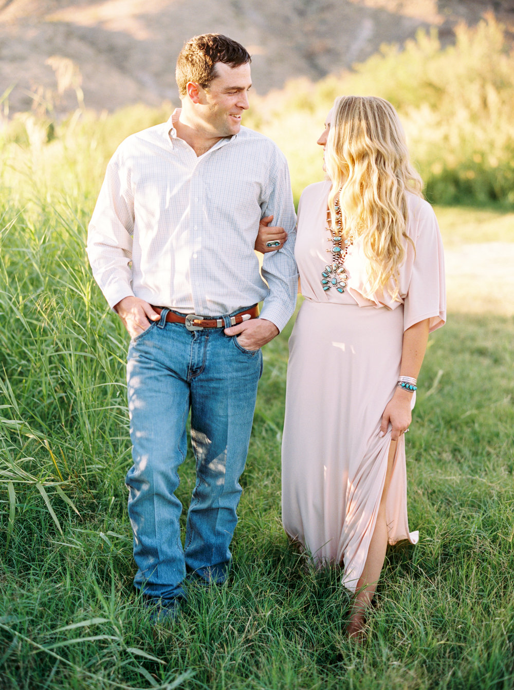 Engagement Session Outfits-172.jpg