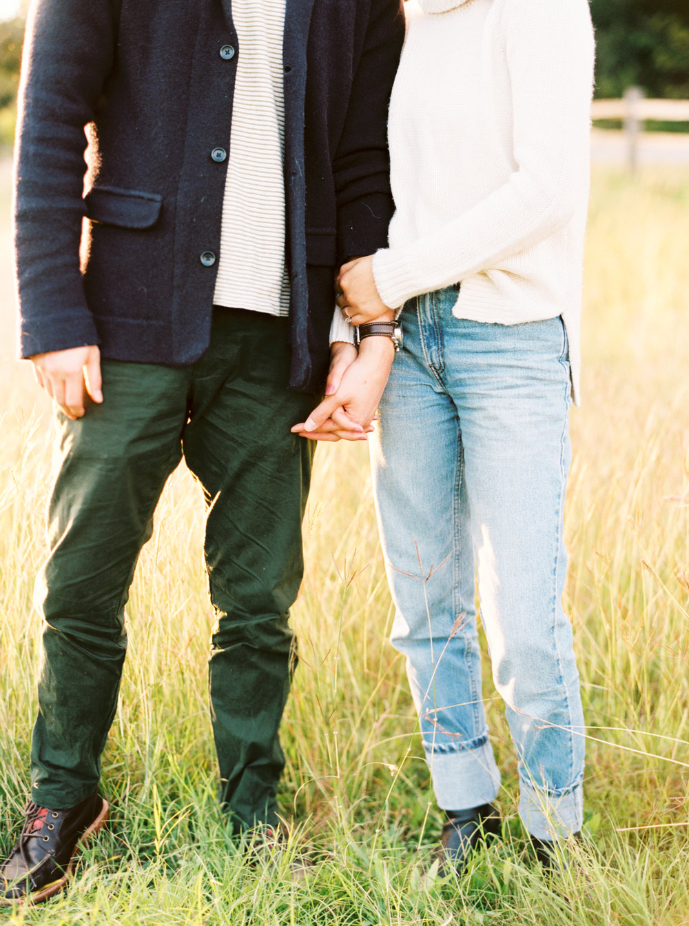 What to Wear for Winter Engagement Photos-7.jpg