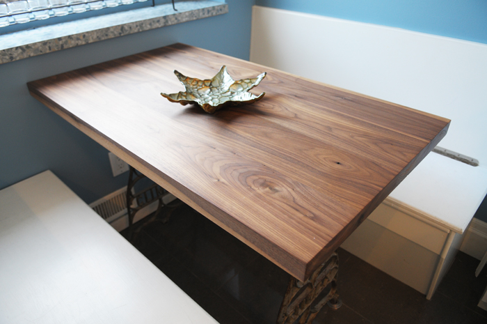 A closer look at the walnut table top.