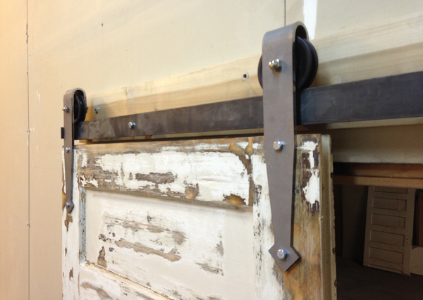 arrowhead_barn_door_hardware_02