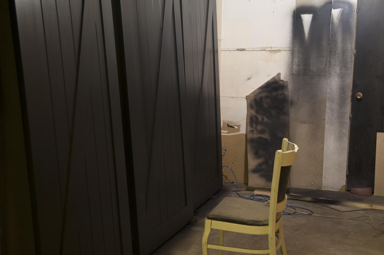black_Z_shaker_doors_00