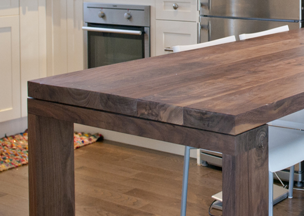 walnut_dining_table_03.jpg
