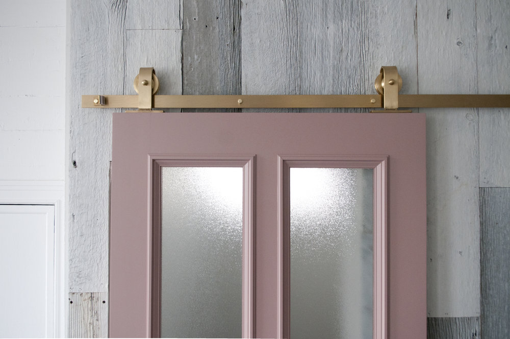 Brass_barn_door_hardware_topmount_03