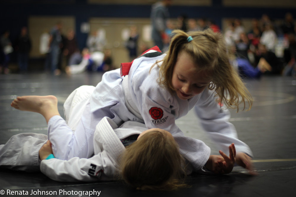 2 Girls Gi 2-1.jpg