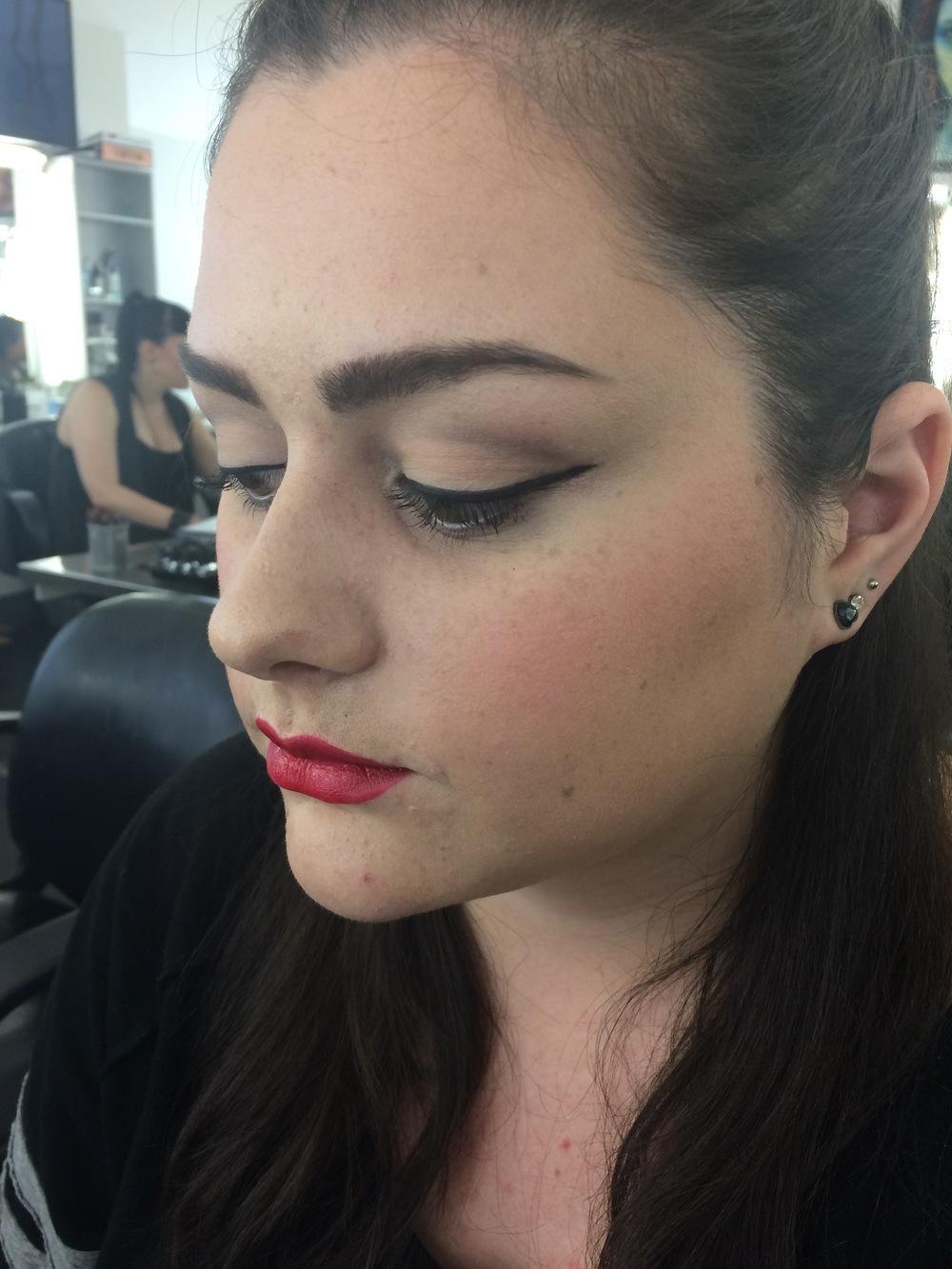 Decade makeup: 1950's