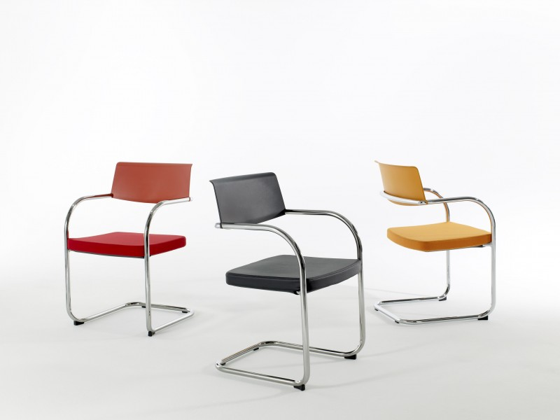 Knoll Moment Chair
