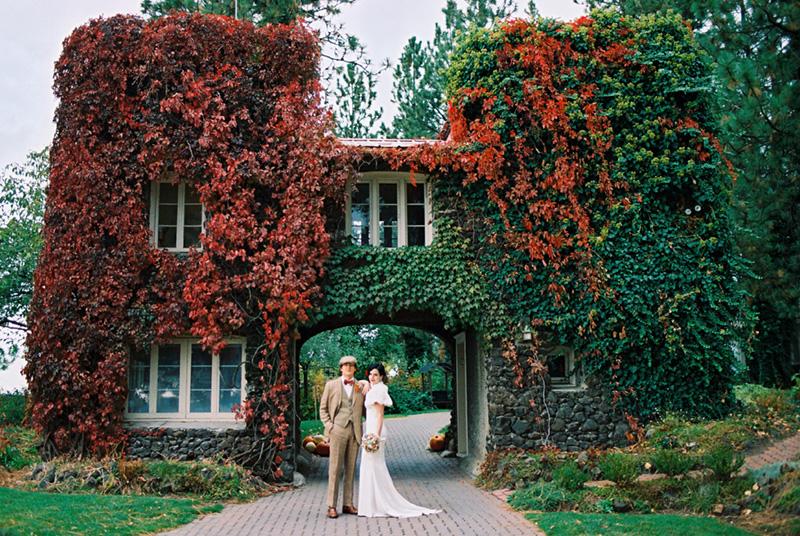 Autumn colors at the Arbor Crest Gate House,©  Mastin Studio