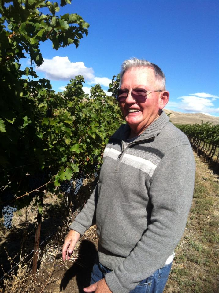 Harry Mielke  (a driving force behind the scenes at Arbor Crest) finds great grapes in the Wahluke Slope Vineyard