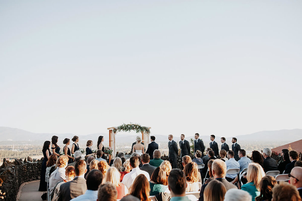 Ceremony with a valley view, ©  Jordan Voth