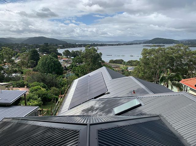 Wrapping up this monster just before the shearers go blunt  #jmrroofing #colorbond #monument #hashtag #centralcoastroofer