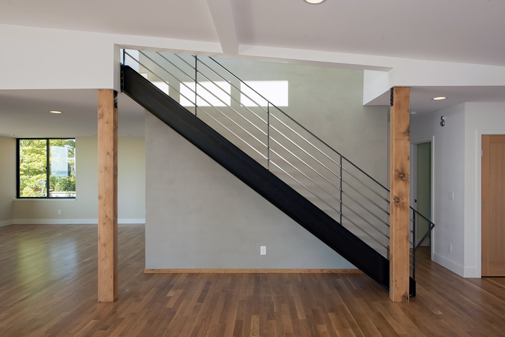 stairwell living room.jpg