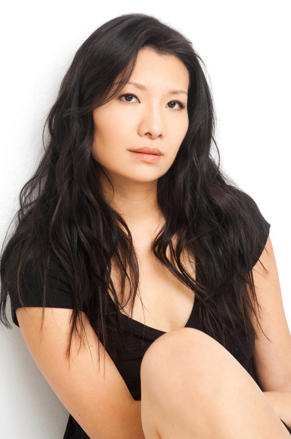 Gwendoline Yeo Nude Photos 4