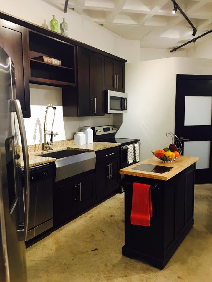 studio funished kitchen.jpg
