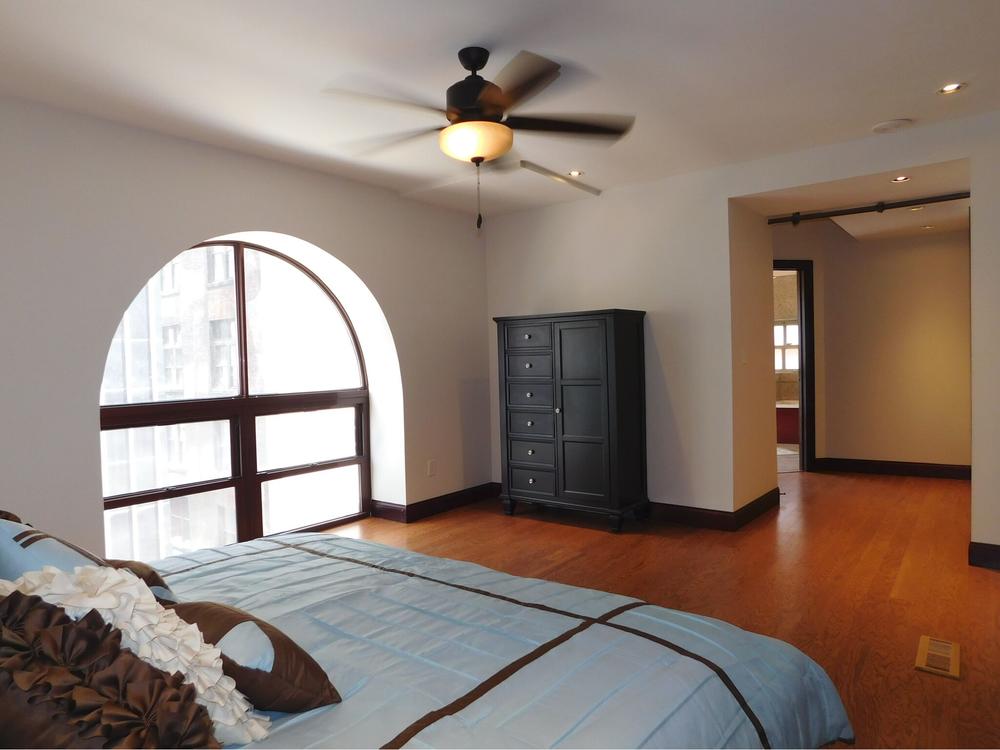 04 Unit - 1 Bed/1.5 Bath - 943 sq. ft. - $1,425/mo