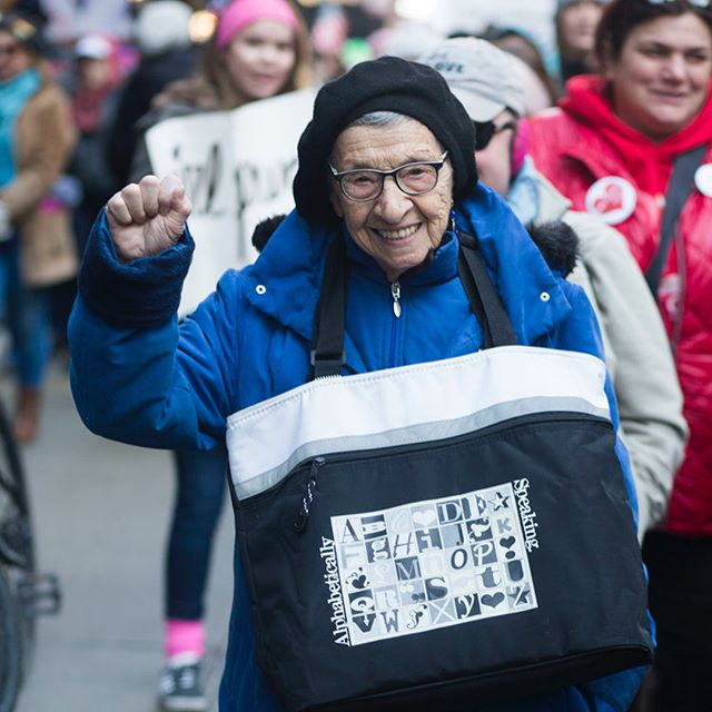 I was lucky enough to march next to 99 year old activist Bea Lumpkin at the @womensmarchchi this weekend. Swipe for more portraits of badass women 👉 #womensmarch2018