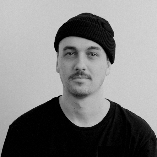 Alexandre Verville   A semi-retired skateboarder from Victoriaville, Alex works wonders with keyframes. This AD Jedi is crazy about the Skittles served in the suites at the Bell Centre. Awarded Best cloud smoker 3 years in a row.