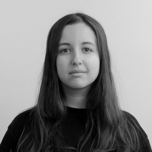 Mélina Poiré   The first woman to join the team, Mélina is a breath of fresh air in a pair of Vans. Her mastery of motion design is matched only by her flair for Instagram stories.