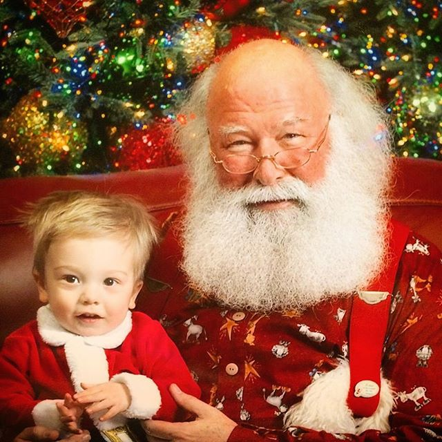 🎅🏻 Throwin' it wayyyy back to the cutest little Christmas munchkin!! Yes I used to dress him up like santa. Yes he asked me this week if I was going to make him do it this year. 😂❤️ #sorrynotsorry #tbt #santapics #christmas #christmas2018 #santa #santaclaus #christmascookies #christmas🎄 #christmaslove