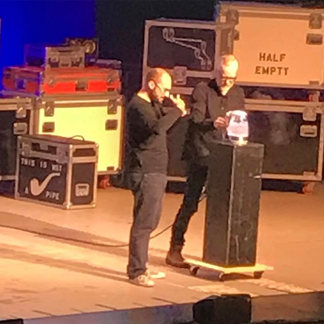 Ceci n'est pas une pipe. Adam Savage and Michael Stevens boiling water on stage at Brain Candy Live! @electricpants @therealadamsavage @braincandylive #BrainCandyLive