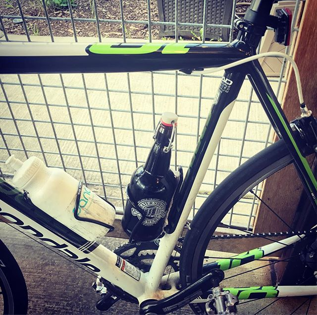 When the bottle fits the cage, how can you say no? #cricketbeer #waterstreetbrewery #milwaukee #canondale #centuryride