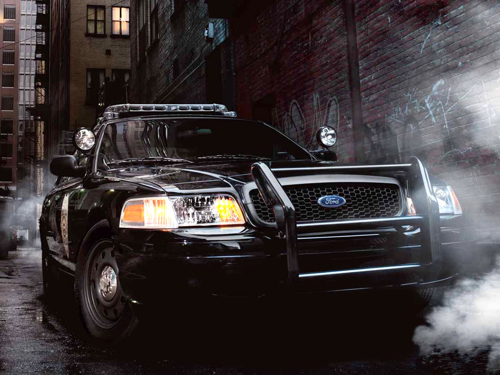 ford-crown-victoria-interceptor-wallpaper-4.jpg