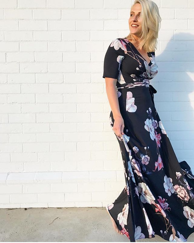 Thinking I need to get me one of these amazing Frankie Wrap dresses that are ethically made in Australia by the inspiring @sammie_thegiverandco - they even match our La Force Feminine range! I wanted to keep the find all to myself but thought I should share the goodness - Cass x 😍😍😍 📷 by @sammie_thegiverandco  #darkfloral #romatic #florals #dress #ethical #madeinaustralia #inspiringwoman #laforcefeminine #stationery #inspirationery #girlpower #ladyboss #winteriscoming
