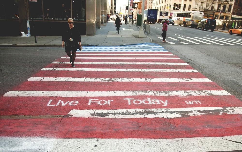 9_11_street_crossing+Kopie.jpg