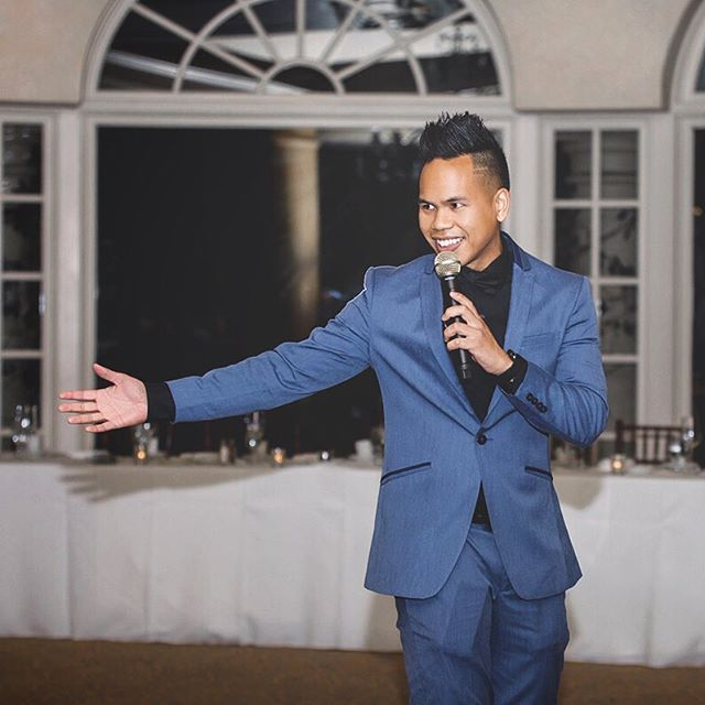 Here's a glimpse of what I do at weddings! Besides on the 1s and 2s, I get on the mic to make the evening fun and smooth! 🎤 Thank you, @auraelizabethphoto for capturing this! 📸🙌 Wedding of Kyle & @mrs.dickeyyy 💍🎉 | Oct. 12, 2018 #djmojoe #weddingdj #weddingmc