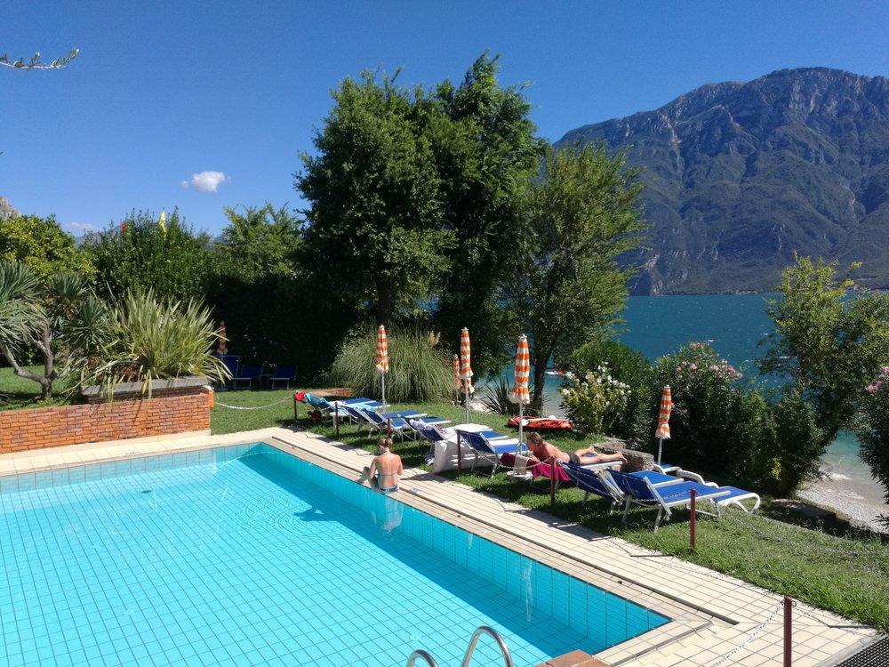 hotel_lido_limone_piscina001.jpg