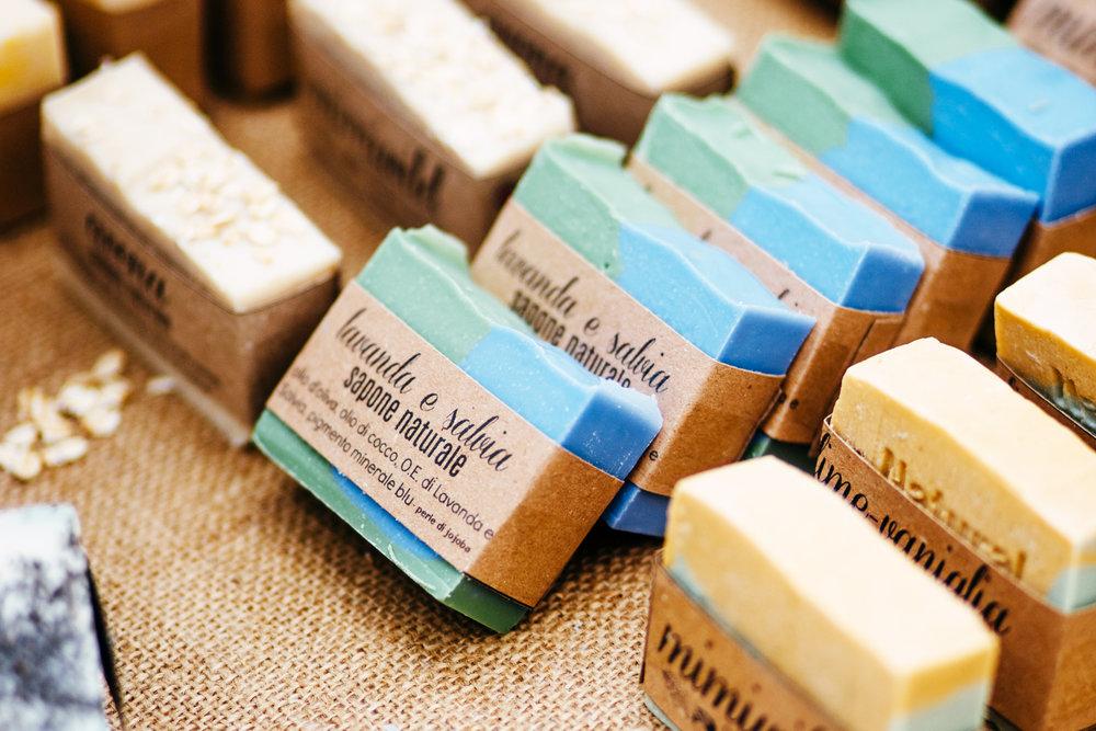 BENESSERE - cosmetici naturali, saponi, candele...