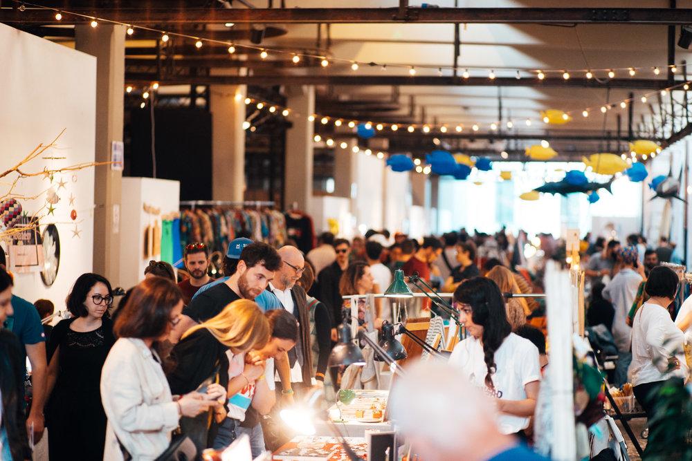 WAVE MARKET FAIR - Wave Market Fair è la fiera annuale ad impatto nazionale di riferimento per artigiani, designer, produttori agricoli, illustratori, editori.