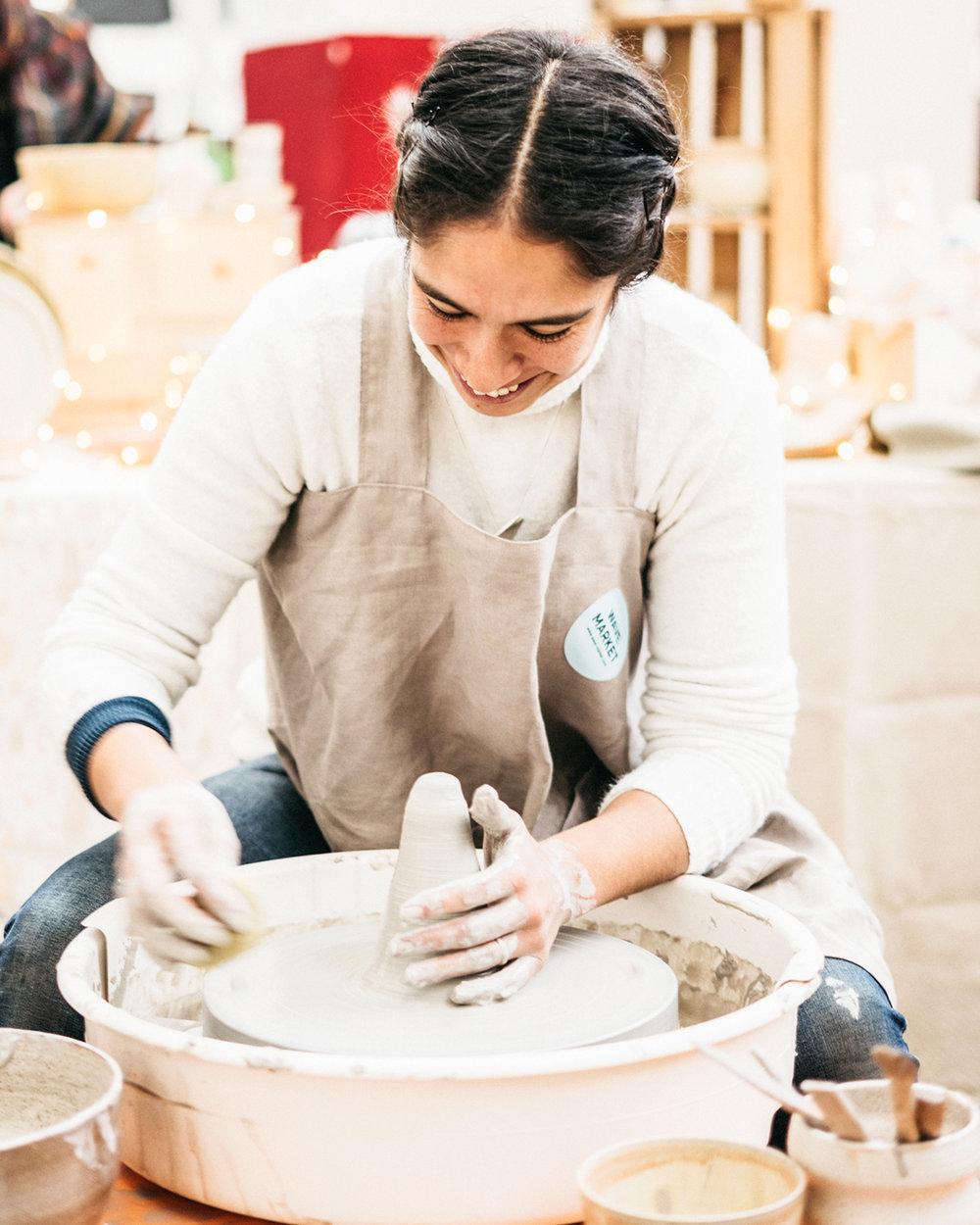→ CRAFT - Partire dalla materia grezza per realizzare qualcosa di unico, che sia testimonianza di tradizione ed espressione di creatività. Questo è il mantra che accomuna gli artigiani in ogni area presente nel mercato.