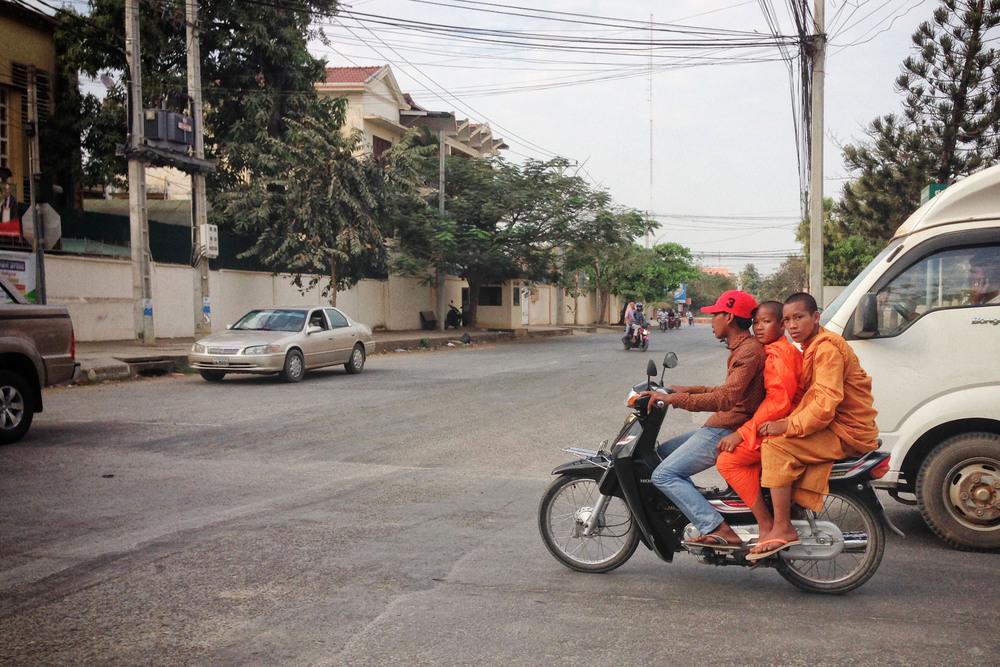 Mopeds_Cambodia_iP.04.jpg