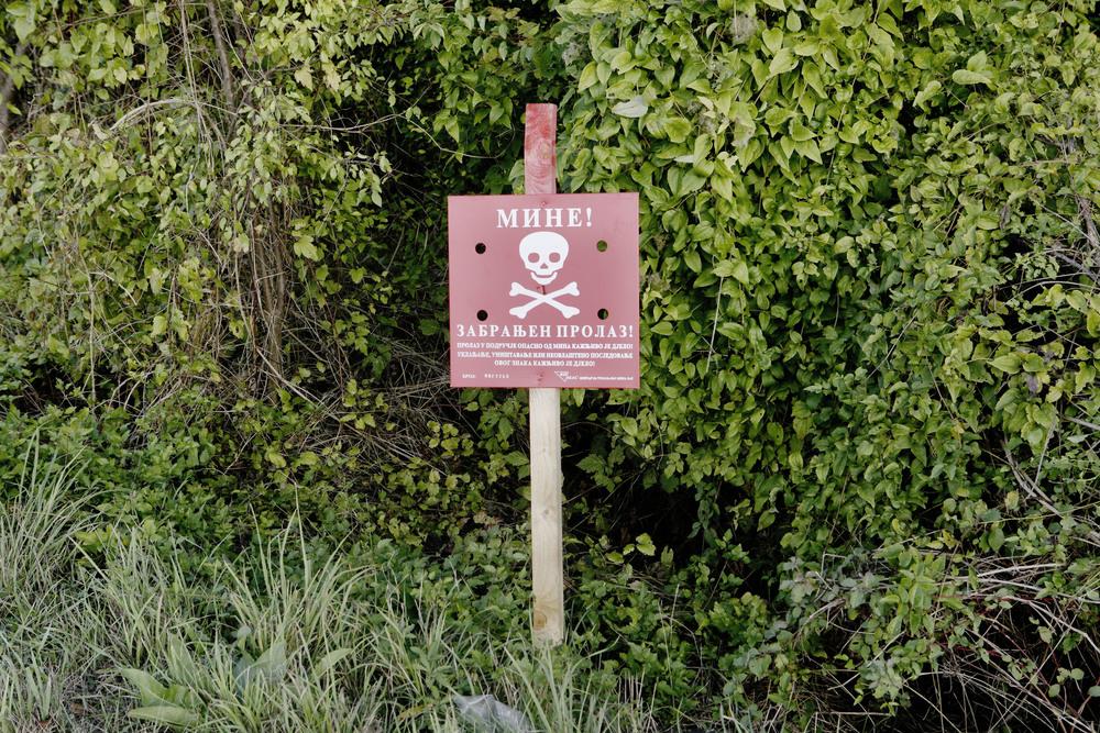 Bosnien_Landmine_Sign.jpg