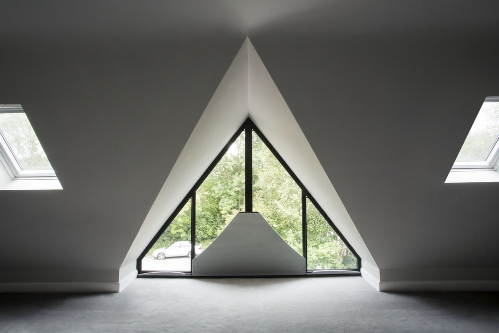 Triangular Grand Design Blinds